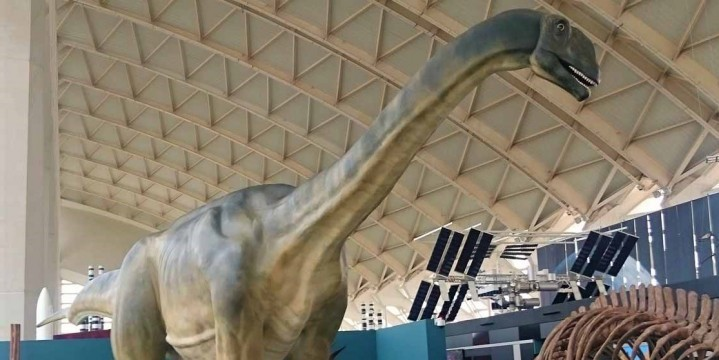 Reproducción de Losillaurus instalada en la Ciudad de las Artes y las Ciencias de Valencia