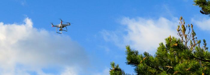 Dron realizando fotogrametría