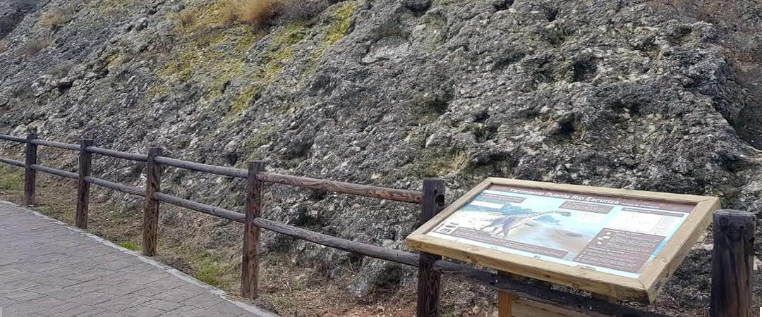 Mesa interpretativa icnitas de Ariño (Teruel)